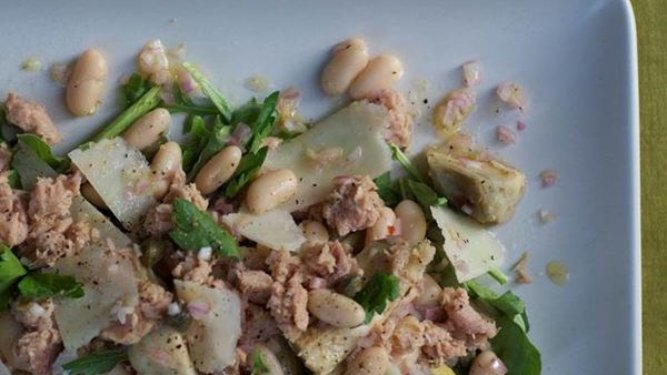 Skipjack Tuna and White Bean Salad with Arugula