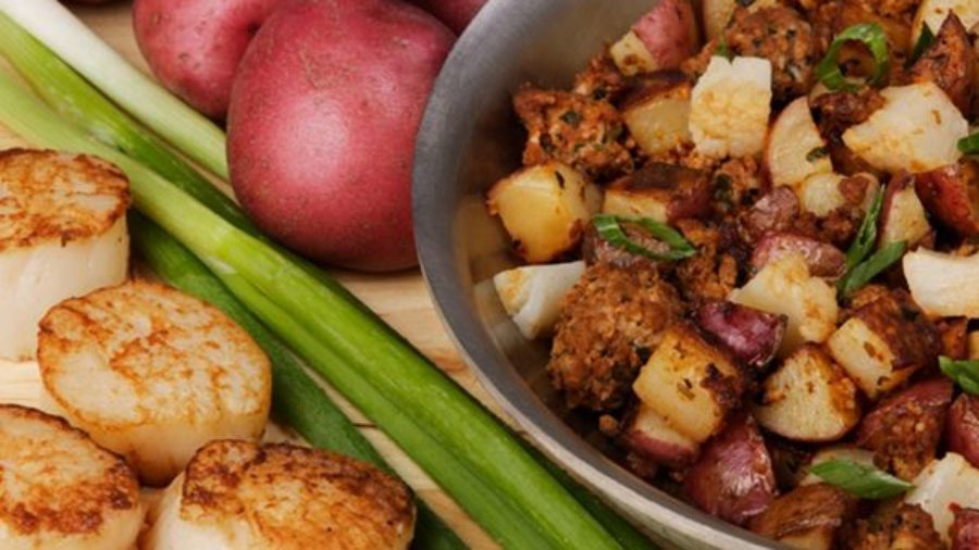 Seared Scallops with Chorizo and Potatoes