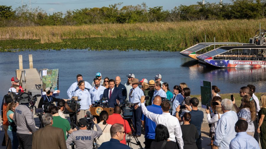 Florida to Purchase Critical Everglade Wetlands